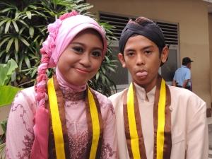 Putri F and Ahmad Dhira.